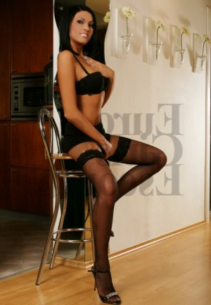 Dorine escort girls